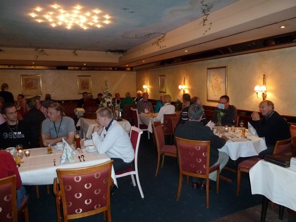 Mercedes Jubileumreis okt 2010 Afscheidsdiner (5)