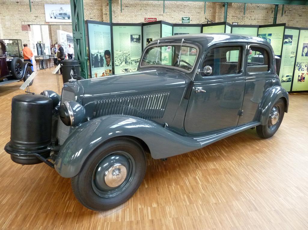 Mercedes Jubileumreis okt 2010 - Carl Benz Museum (28)