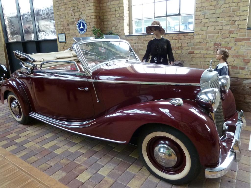 Mercedes Jubileumreis okt 2010 - Carl Benz Museum (31)