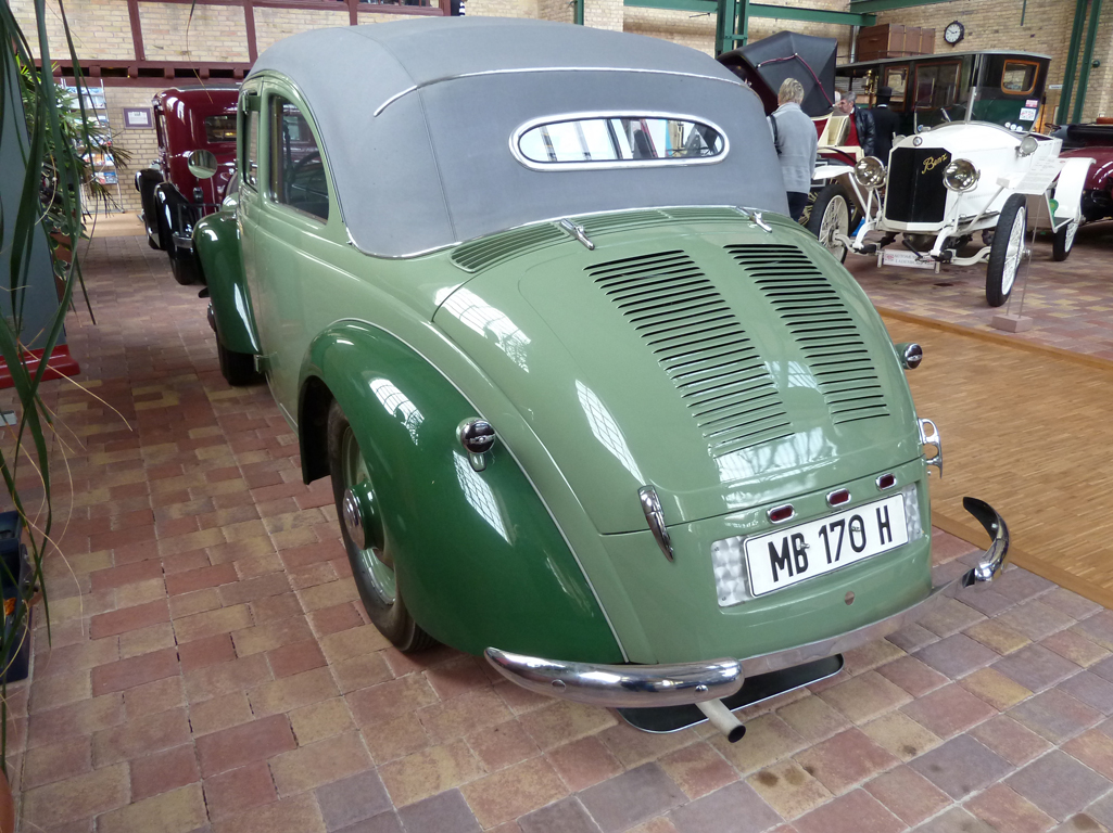 Mercedes Jubileumreis okt 2010 - Carl Benz Museum (37)