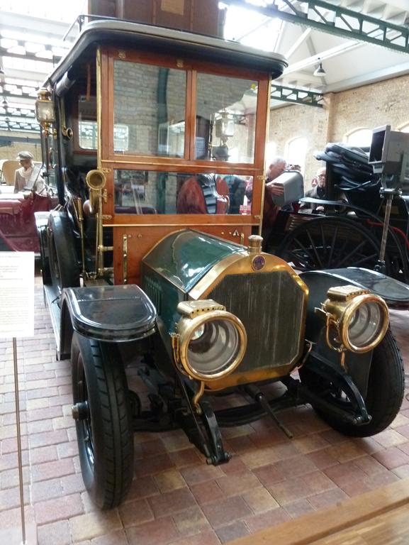 Mercedes Jubileumreis okt 2010 - Carl Benz Museum (39)