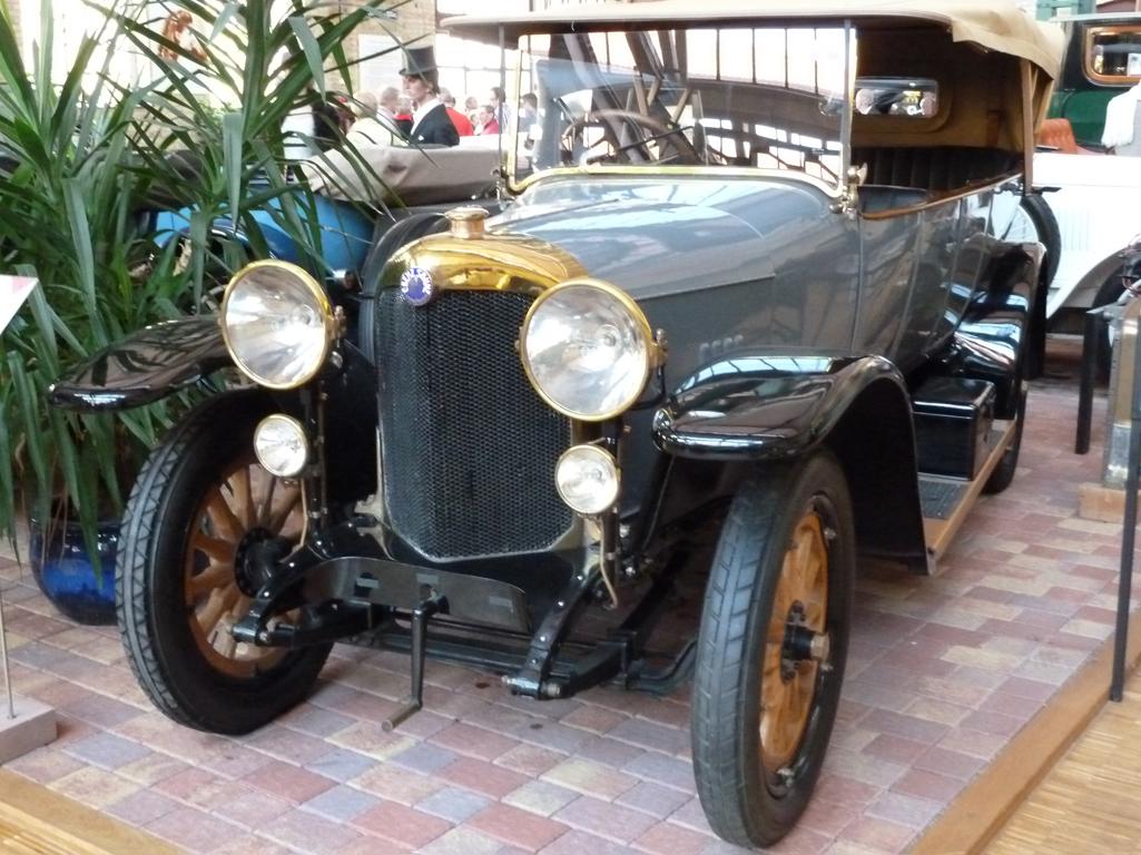 Mercedes Jubileumreis okt 2010 - Carl Benz Museum (59)