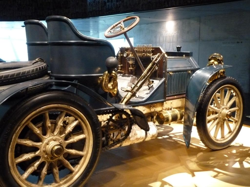 Mercedes Jubileumreis okt 2010 - MB Museum (10)