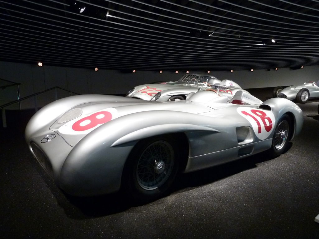 Mercedes Jubileumreis okt 2010 - MB Museum (24)