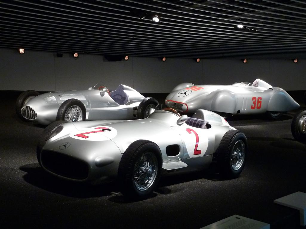 Mercedes Jubileumreis okt 2010 - MB Museum (25)