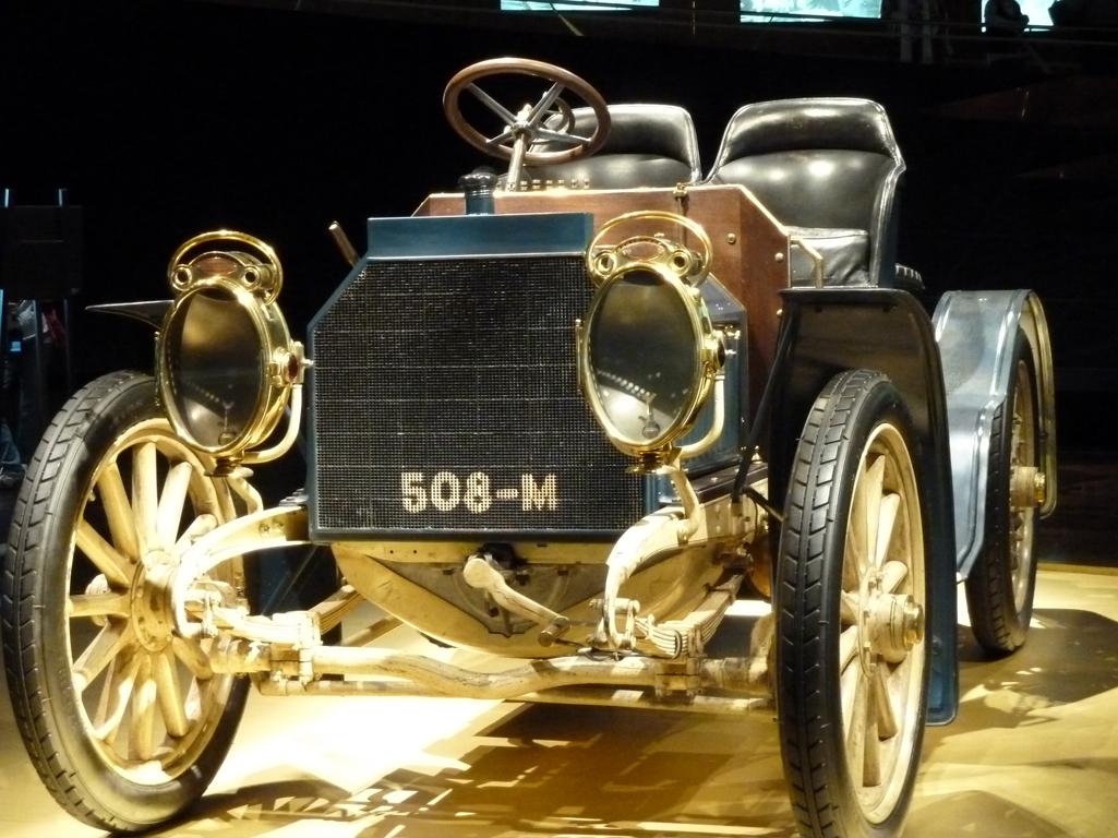 Mercedes Jubileumreis okt 2010 - MB Museum (30)