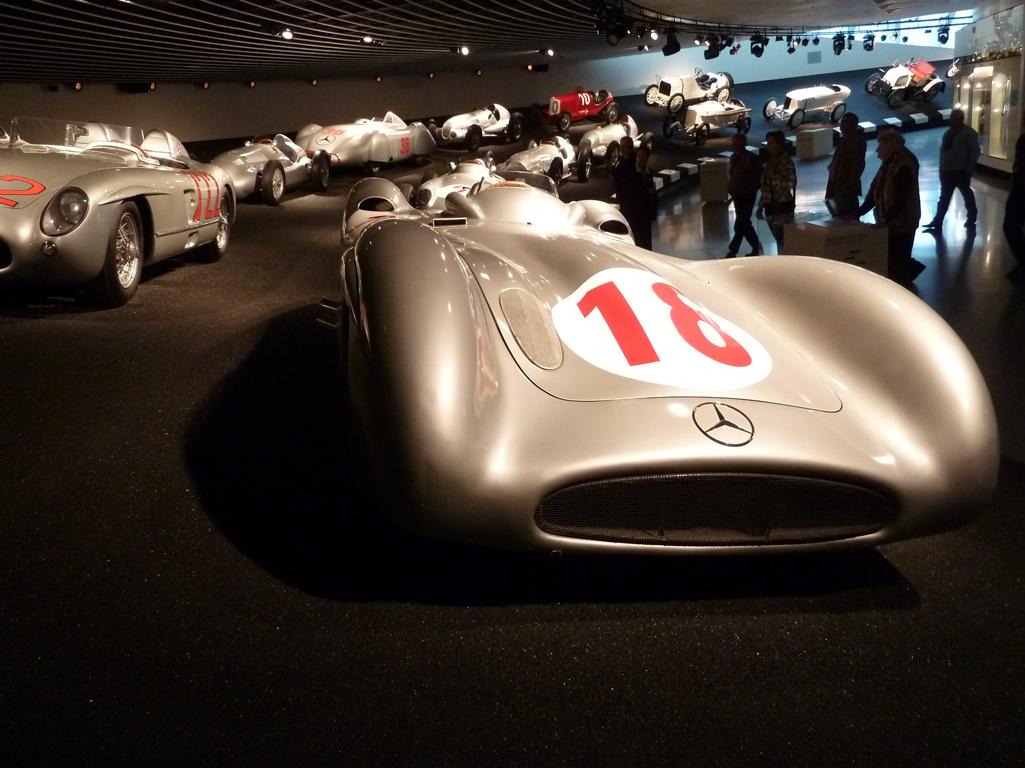 Mercedes Jubileumreis okt 2010 - MB Museum (38)