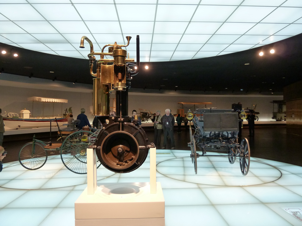 Mercedes Jubileumreis okt 2010 - MB Museum (4)