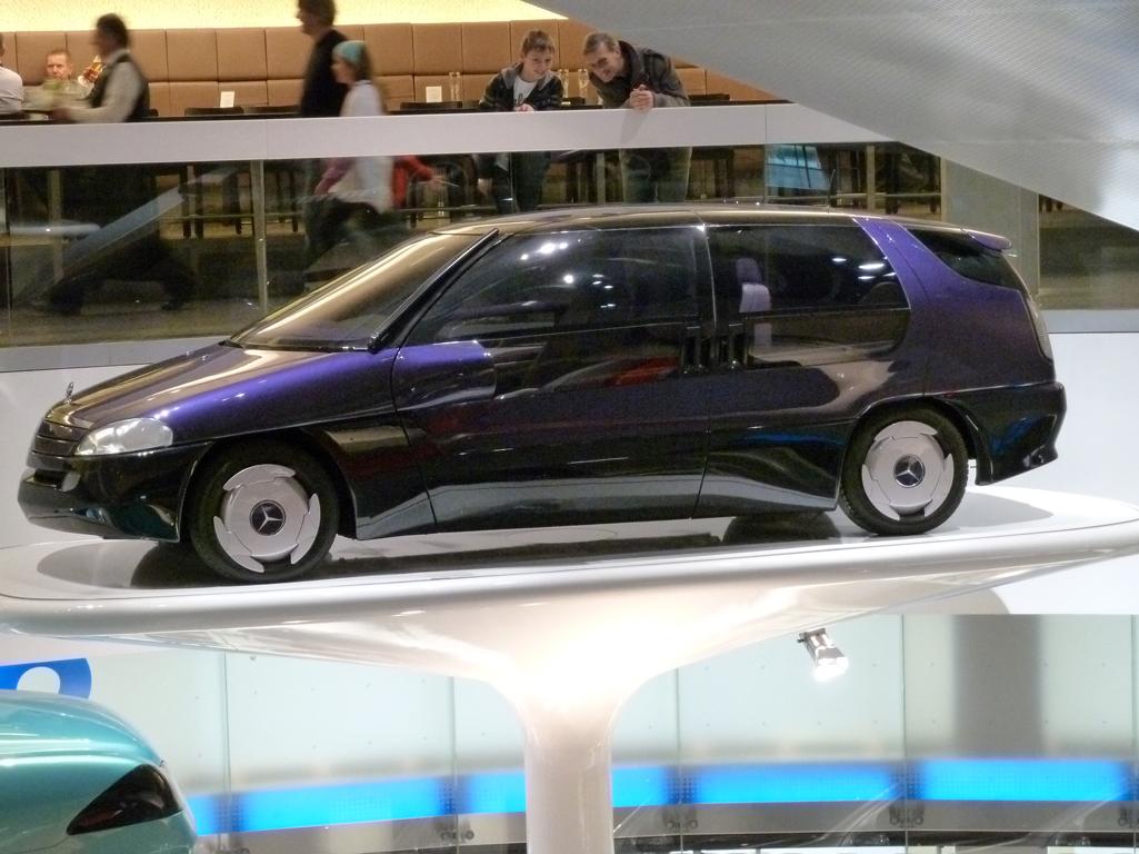 Mercedes Jubileumreis okt 2010 - MB Museum (49)