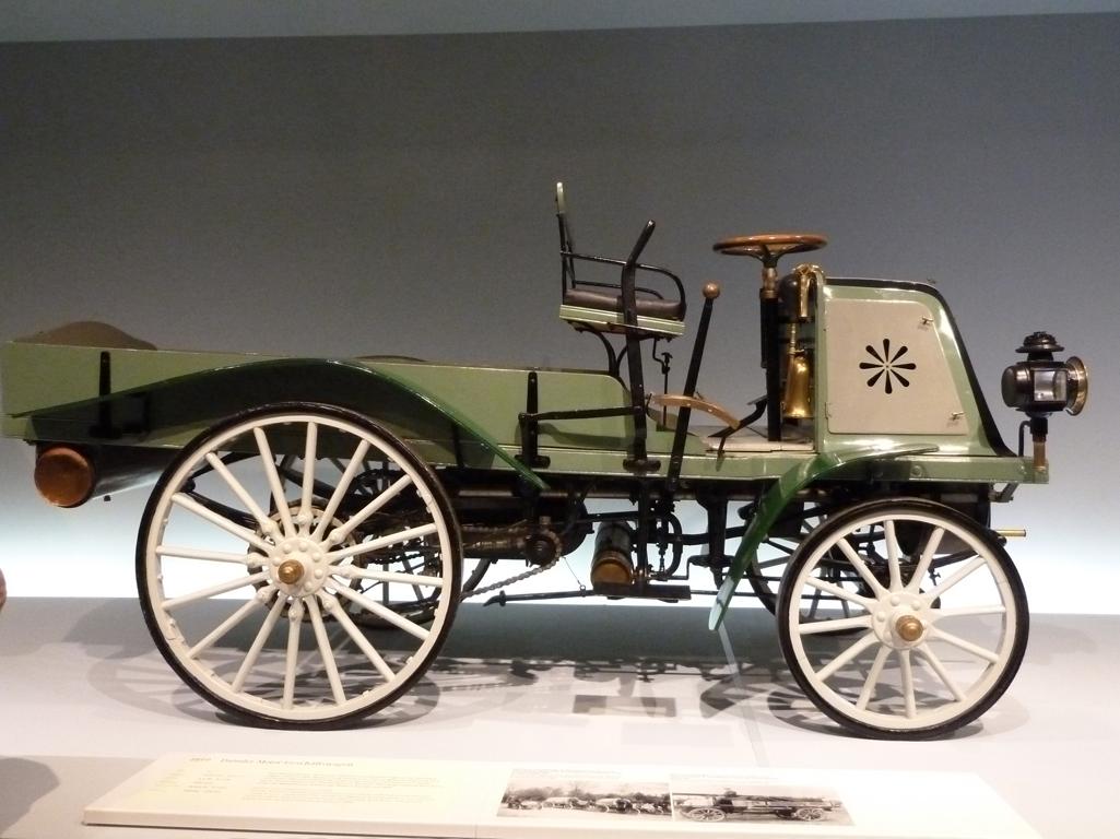 Mercedes Jubileumreis okt 2010 - MB Museum (8)